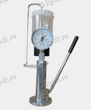 Прибор служит для измерения давления открытия форсунки и определения ее пропускной способности