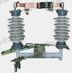 Разъединители марки РДЗ предназначены для включения и отключения  обесточенных участков электрической сети высокого напряжения, а также заземления отключённых участков при помощи стационарных заземляющих ножей